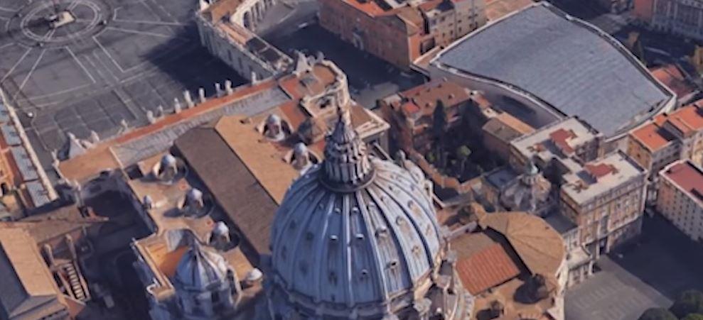 залата за конференции и на римския папа прилича на рептил
