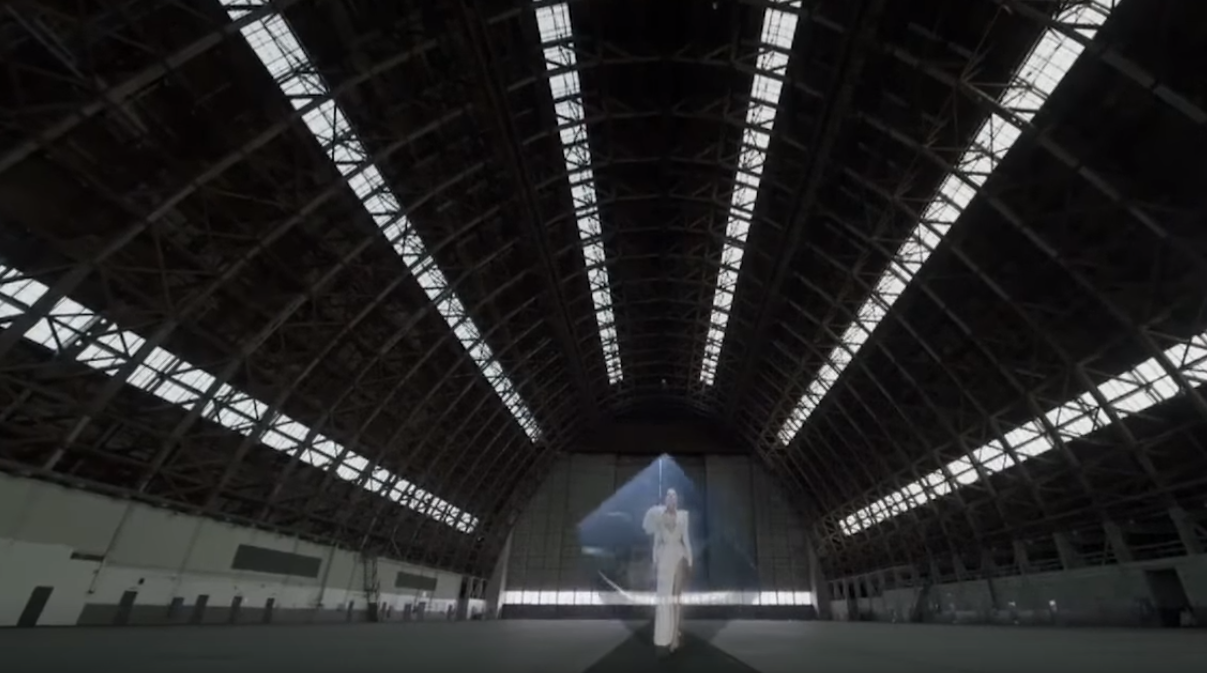 куб -масонски символ в клип на Лейди ГАГА